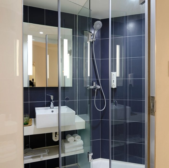 The Top Benefits Of Pivot Shower Doors For Your Enclosure End Free